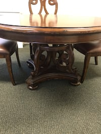 54 inch Dining room table and 4 chairs Reisterstown, 21136