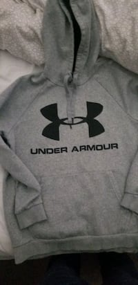 UNDER ARMOUR SWEATER MED Mississauga, L5J