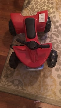 Toddler's red and black ride on toy. Is not electric powered 226 mi