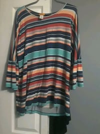 Xl colorful top Windsor, N8W 5S4