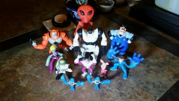 Miscellaneous toy figures