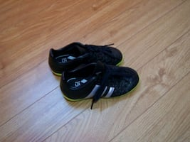 indoor soccer shoes -size 10.5