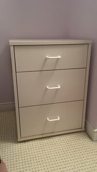 IKEA White wooden 3-drawer chest Mississauga, L5L 1A2