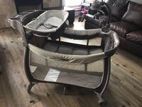 Eddie Bauer Playpen Richmond Hill, L4S 0A3