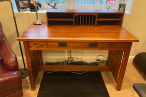 Solid Oak Mission Style Desk with hutch