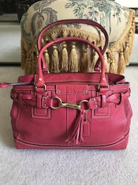 New coach bag medium size excellent condition Stamford, 06902
