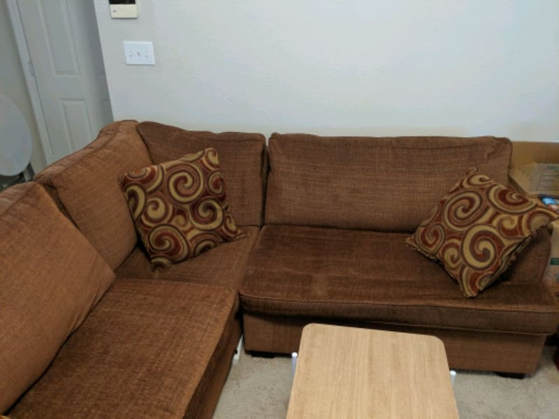 Couch and Coffee Table f0c045fc-0395-4795-bf82-ec2faf8ddd37