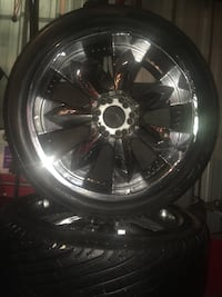 22 inch universal six lug with tires Ward, 72007
