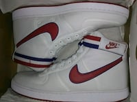 white-and-red Nike Air Force 1 shoes Houston, 77064