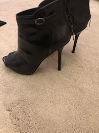 pair of black leather heeled boots Richmond Hill, L4S 2G4