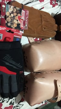 Leather knee pads and work gloves Calgary, T2Y 2W5