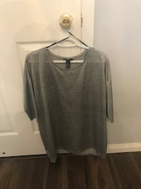 gray scoop-neck long-sleeved shirt Whitby, L1R 3G9