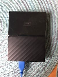 black and gray leather wallet 372 mi