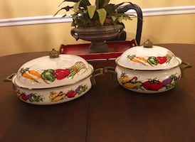 """FARMERS MARKET"" ENAMELWARE SET OF 2 POTS WITH LIDS  & BRASS HANDLES"