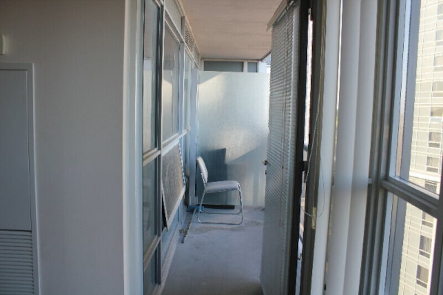condo for rent 1 bedroom 1 bath close to 401 and kenndy road new unit  kitcen washroom  laundry on suite parking and locker included  , condo for rent  1b6f5dfe-52f9-4c3a-9d1c-b0de6ccbd6cc