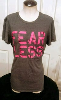 black and pink crew neck shirt Bakersfield, 93308