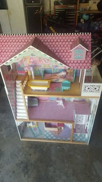 pink and brown 3-storey doll house Waukegan, 60087