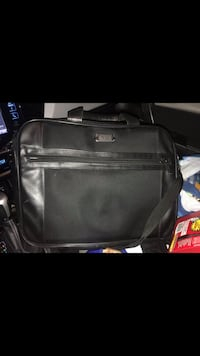 Kenneth Cole Laptop Case Great Condition $25.