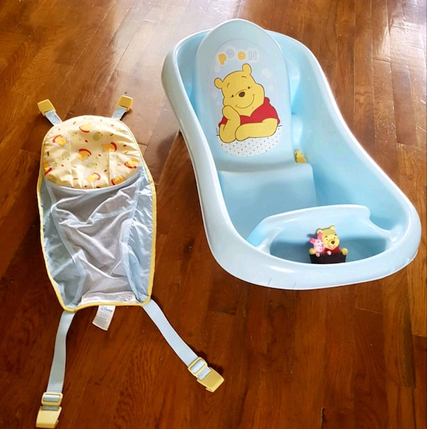 Used Winnie the pooh infant/toddler bath tub! for sale in Calgary ...