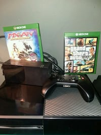 Xbox One console with controller and games, Has Do Rialto, 92376