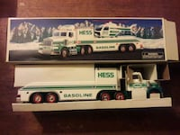 1995 Hess truck toy Baltimore, 21239