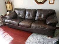 Brown leather sofa set $150 or FREE see details Alexandria, 22312