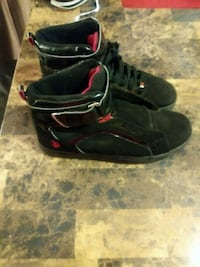 pair of black-and-red Nike basketball shoes Tucson, 85719