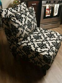 Stylist Armless Tufted Accent Chair Almost New