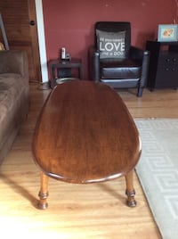OVAL COFFEE TABLE~BEALS OF MAINE Chester, 06412