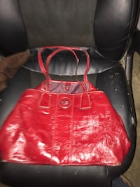 red leather tote bag with wristlet Cleveland, 37323