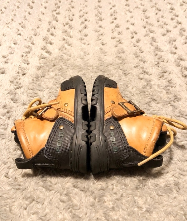Baby polo duck boots paid $68 size 6.5 Great condition Brown cac61467-afff-40b9-a1f2-046a6a81db22