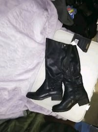 Beartraps Women's widecalf size 8 boots
