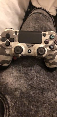 gray and black camouflage Sony PS4 DualShock 4 Pembroke Pines, 33025