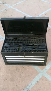 Solid Metal Tool Box With Lid And 4 Drawers That Lock. $15. Cash.