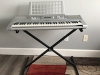 Yamaha YPT-300 Piano keyboard with stand and sheet music rest San Ramon, 94583