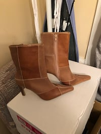 Tan size 6 women's boots  Greenville, 28590