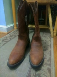 pair of brown leather cowboy boots Hyattsville, 20782