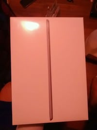 New ipad 6th gen 32 gb unlocked wifi+phone  Edmonton