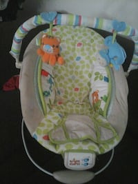 baby's white and green bouncer Merced, 95341