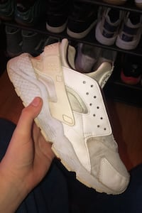 2x huaraches today only need to be cleaned Poughkeepsie, 12603