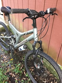 gray and black full-suspension bike Monroe, 10950