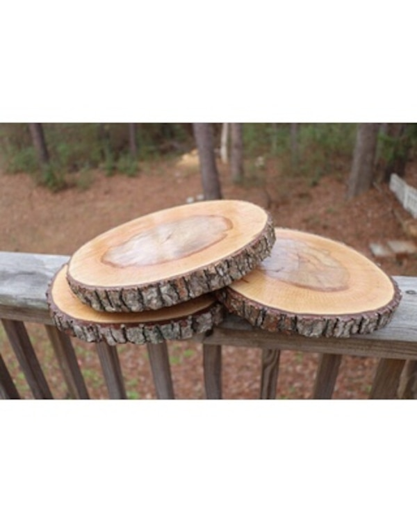 Wood centerpieces or decor for rent!