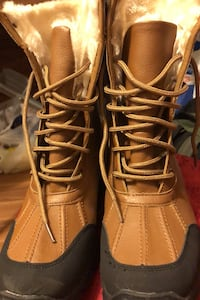Rugged Outback ,Winter boots for women size 8 Calgary, T2A 0L5