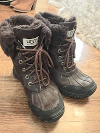 pair of black-and-gray boots Vaughan