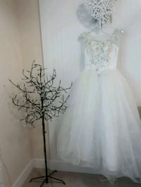 White wedding dress brand new  Surrey, V3S 2L2