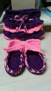 toddler's pink and purple knit sandals Muscatine, 52761