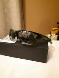 Oakley sunglasses new Montreal, H1N 3G4