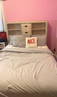 Bed frame, mattress not included (size full)