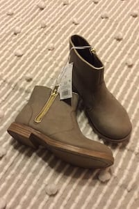 Girls Short Boots Sz 13, never worn, tags on. Available!