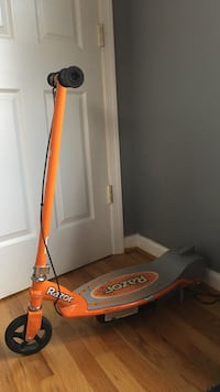 (Negotiable) orange Razor electric scooter Arlington, 22205